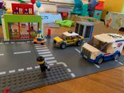 Конструктор LEGO City Town 60233 Открытие магазина по продаже пончиков #6, Юлия Л.