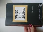 Уничтожь меня! Уникальный блокнот для творческих людей (темный) / Wreck This Journal | Смит Кери #4, Карина